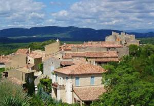 Das Dorf Labastide de Virac, unweit der Ardèch-Schlucht