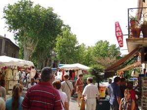 Barjac, Markt